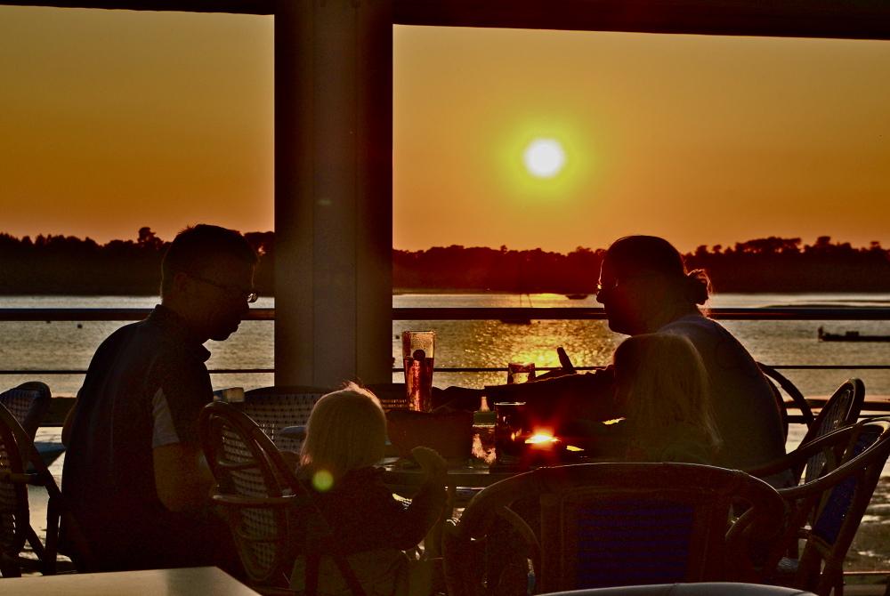 sunset-family1